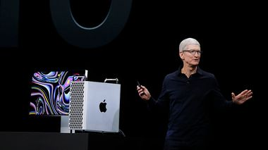 Apple CEO Tim Cook speaks about the MacBook Pro at the Apple Worldwide Developers Conference in San Jose, Calif., Monday, June 3, 2019. (AP Photo/Jeff Chiu)                      (Foto: Jeff Chiu)