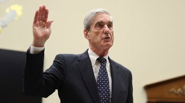 Former special counsel Robert Mueller, is sworn in before he testifies before the House Judiciary Committee hearing on his report on Russian election interference, on Capitol Hill, in Washington, Wednesday, July 24, 2019. (AP Photo/Andrew Harnik)                       (Foto: Andrew Harnik)