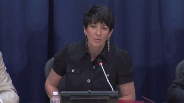 Ghislaine Maxwell, longtime associate of accused sex trafficker Jeffrey Epstein, speaks at a news conference on oceans and sustainable development at the United Nations in New York, U.S. June 25, 2013 in this screengrab taken from United Nations TV file footage. UNTV/Handout via REUTERS THIS IMAGE HAS BEEN SUPPLIED BY A THIRD PARTY. NO RESALES. NO ARCHIVES.                      (Foto: REUTERS TV)