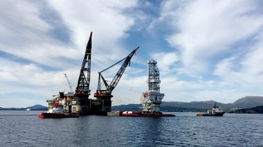 FILE PHOTO: A general view of the drilling platform, the first out of four oil platforms to be installed at Norway's giant offshore Johan Sverdrup field during the 1st phase development, near Stord, western Norway September 4, 2017. REUTERS/Nerijus Adomaitis/File Photo                       (Foto: Nerijus Adomaitis)