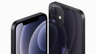 Apple's iPhone 12 and iPhone 12 are seen in an illustration released in Cupertino, California, U.S. October 13, 2020. Apple Inc./Handout via REUTERS NO RESALES. NO ARCHIVES. THIS IMAGE HAS BEEN SUPPLIED BY A THIRD PARTY.                      (Foto: APPLE INC)