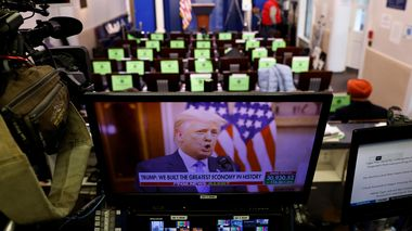 U.S. President Donald Trump makes remarks on a television monitor from the White House Briefing Room during his last day in office, in Washington, D.C. U.S., January 19, 2021.  REUTERS/Carlos Barria                       (Foto: CARLOS BARRIA)