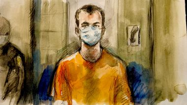 FILE PHOTO: Nathaniel Veltman, 20, accused of mowing down a Muslim family with his pickup truck in what Canadian police are calling a hate-motivated attack, appears briefly by Zoom before a judge during a court appearance in London, Ontario, Canada, June 10, 2021 in this courtroom sketch. Pam Davies/Handout via REUTERS THIS IMAGE HAS BEEN SUPPLIED BY A THIRD PARTY./File Photo                      (Foto: Handout)