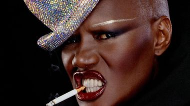 Grace Jones portretteres i dokumentaren «Grace Jones: Bloodlight and Bami» på Kosmorama.
